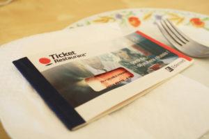 La empresa no puede suprimir los tickets restaurante durante el confinamiento