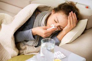 ¿Cómo se justifican las ausencias por enfermedad inferiores a 3 días?