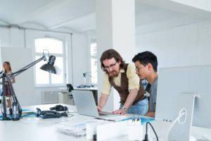 Utilización de becarios para atender necesidades derivadas del incremento del volumen de trabajo